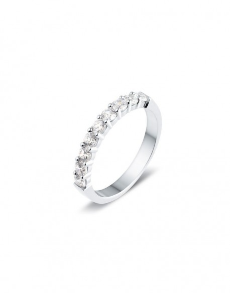 "Alliance semi-empierrée ""Iéfémia"", diamants sertis sur quatre griffes 0,75 carat"