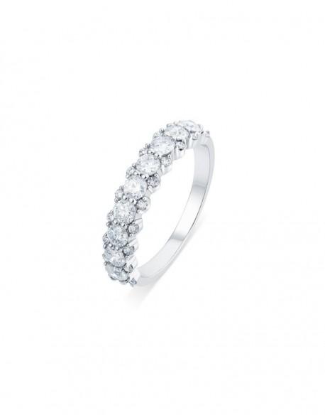 """Demi-alliance """"Liv"""", composées d'une tresse de diamants sertis entre griffes, 1,00 carat"""