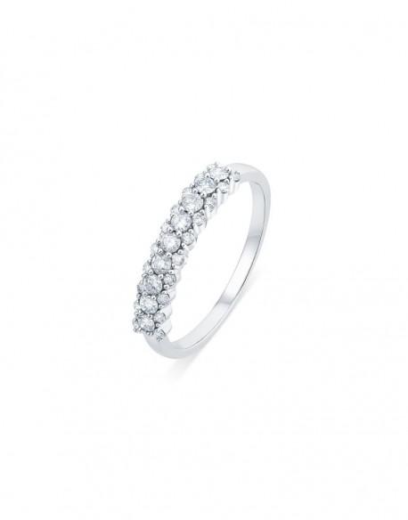 """Demi-alliance """"Liv"""", composées d'une tresse de diamants sertis entre griffes, 0,50 carat"""